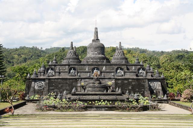 Hasil gambar untuk Buddha Monastery bali