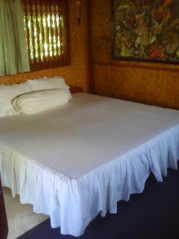 Ketut Losmen Room with fan upstairs